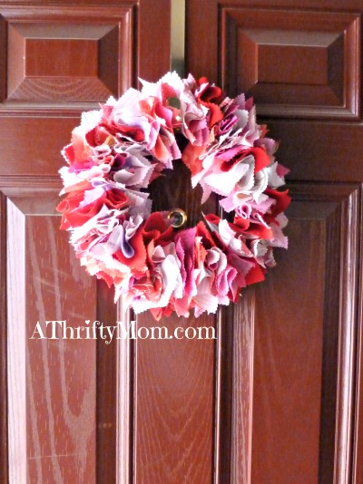 DIY Wreath Made From Fabric SquaresValentines Day Wreath