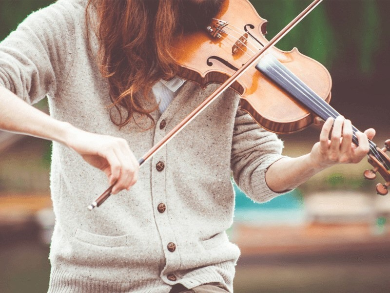 The Violin Player - 1pen ePublish blog - eBook Features - by https://pixabay.com/users/pexels-2286921/