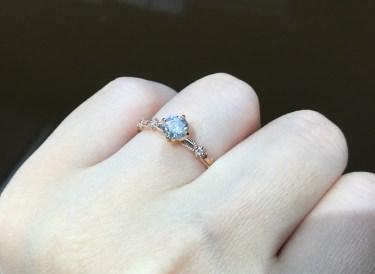 繊細な装飾が美しいルシエの婚約指輪💕