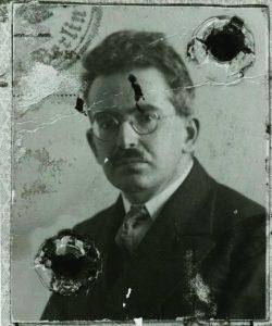 Walter Benjamin passport photo