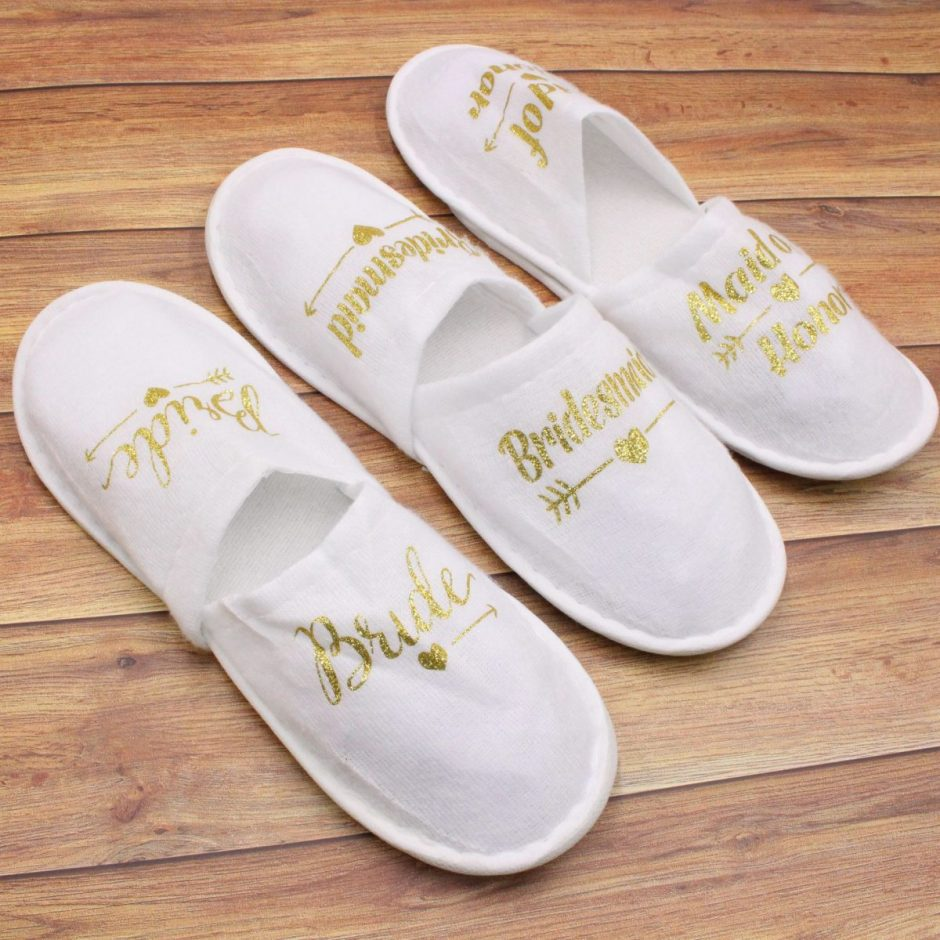 New Wedding Favors and Gifts Bride Slippers Bridesmaid Personalized Gift Wedding Gifts for Guests Souvenir Event Party Favors