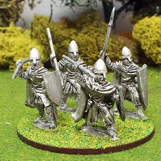 28mm medieval crusader knights Cloaked attacking spears nasal bar