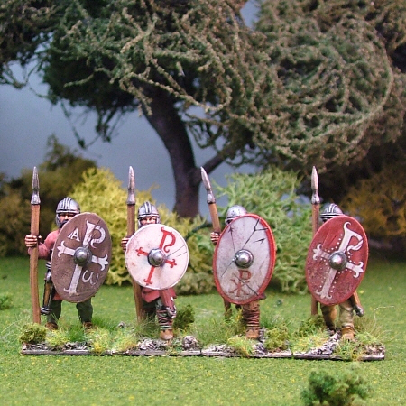Warriors, unarmoured, standing,helmets, spears (4)