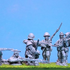 WW231 Japanese infantry with rifles.