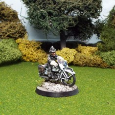 28mm policeman on motorbike