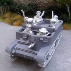1/48 Universal Carrier with Civilian Crew