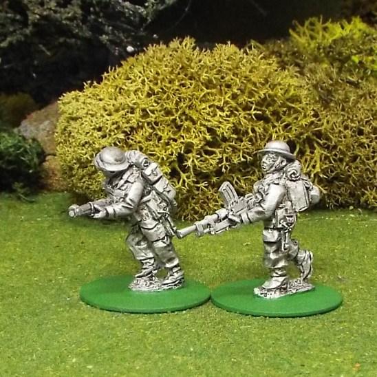 28mm BEF Bren Gun Team Advancing.