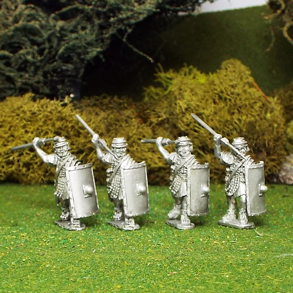 Legionaries attacking with Pilum and rectangular scutum