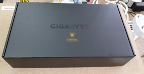 Gigabyte GTX 1080 Ti Unboxing 3