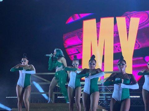 Cardi B rocks Nigerian colours during live performance (Video/Photos)