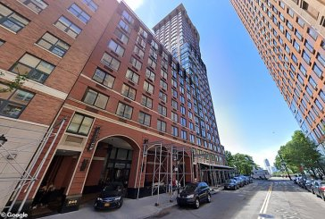 64-year-old man jumps off 16th floor in Manhattan over COVID-19 isolation (Graphic Video)
