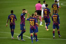 Barcelona sink Napoli to set up Bayern quarter final in Champions League