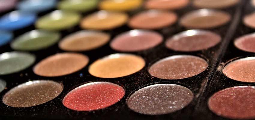 An artists' palette