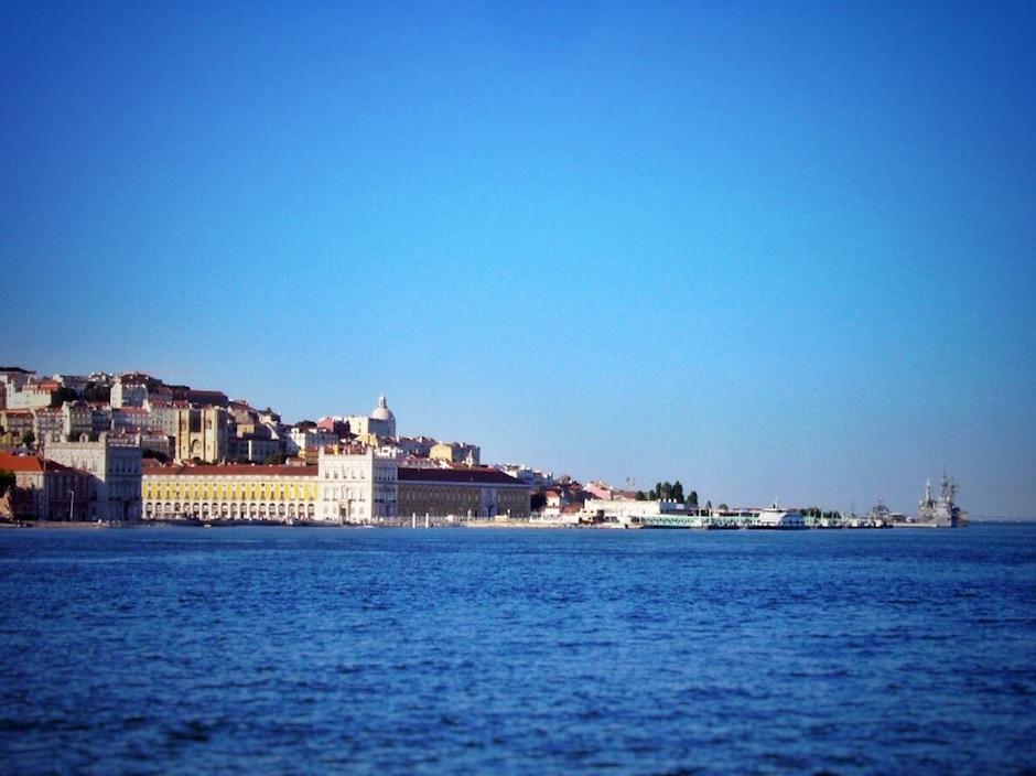 Lissabon_Praca do Comercio_Fähre_1 THING TO DO