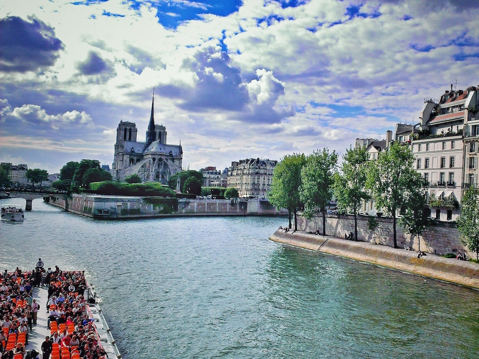 Paris_Seine_Notre-Dame_1 THING TO DO