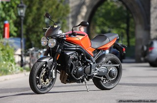 triumph_speed_triple_2