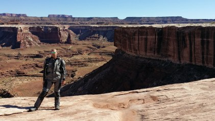 Neil shows off his Alpinestars Durban suit. Appropriately it does seem Africa hot in Moab