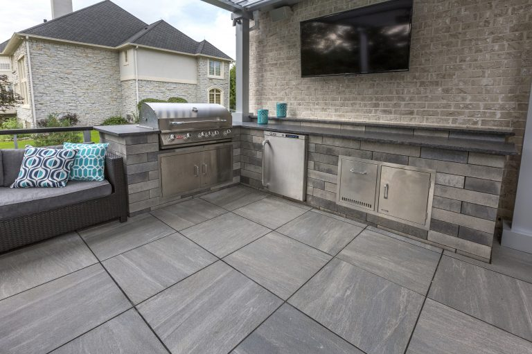 porcelain tile roof deck patio with an