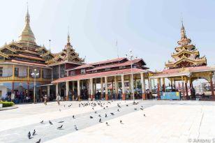 temple bord eau