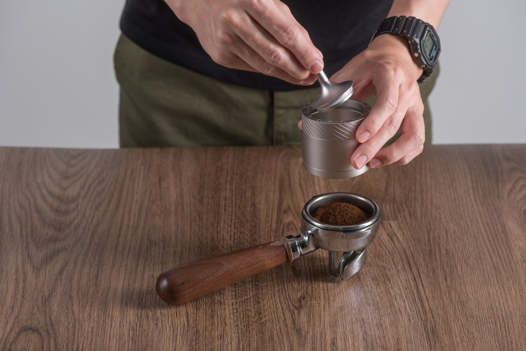 The Magnetic catch-cup of K-Plus grinder and JE-Plus grinder