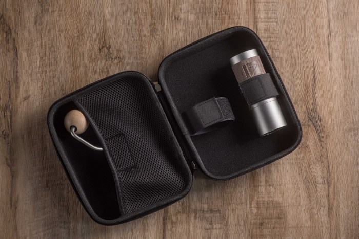 travel case with Q2