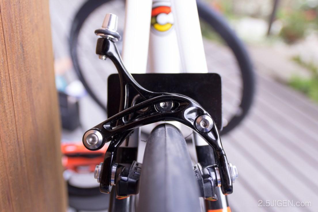 チネリのピストバイクにブレーキをつける