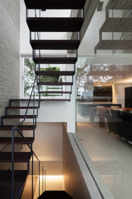 House in Shinoharadai by Tai and Associates in architecture Category