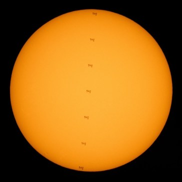 Video: Photographer captures a spacewalk as the ISS transits the Sun