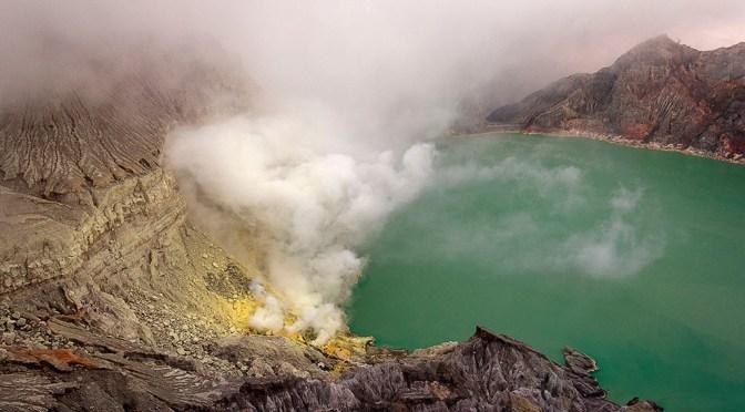 Povești cu vulcani I