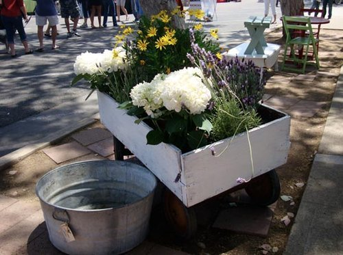 Look! A Planter Made Out Of A Wagon
