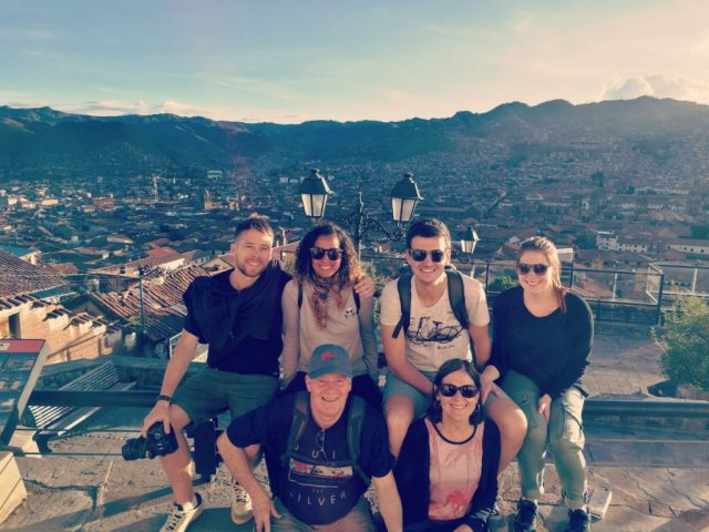 Photo de famille depuis le point de vue de Cusco