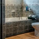 6 conseils de décoration de salle de bains abordables