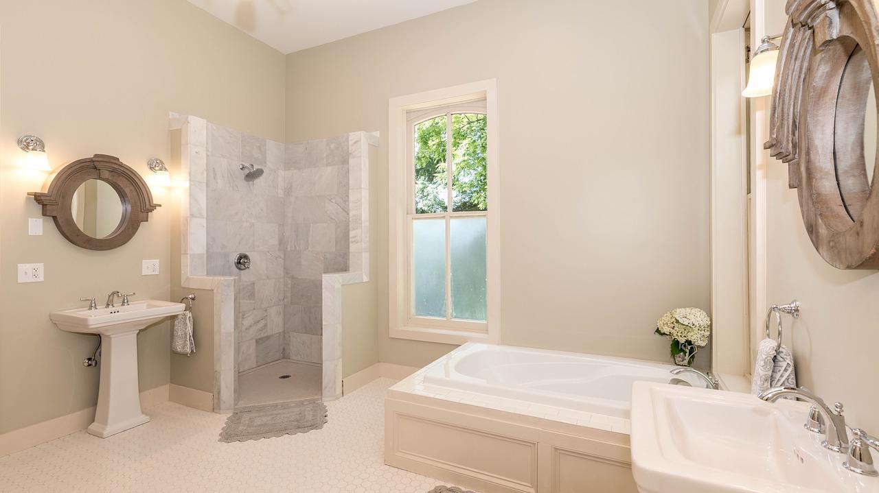 Conseils pour gagner du temps dans le nettoyage de la salle de bains