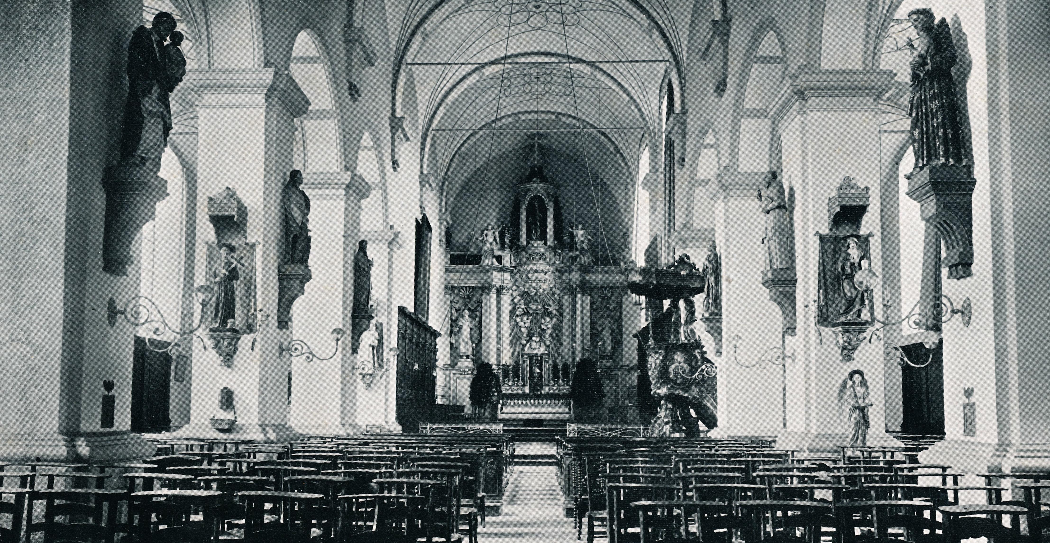 Karmelietenkerkinterieur1938