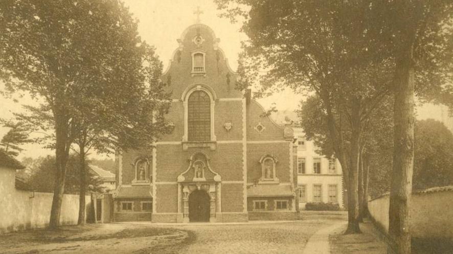 Karmelietenkerkvoorgevel1912