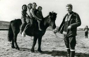 Kátir krakkar á barnadegi Léttis árið 1973