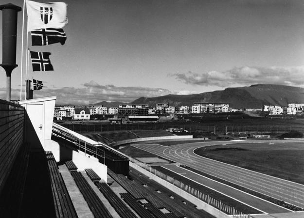 Íþróttaleikvangur Reykjavíkur – Laugardalsvöllur vígður 17. júní 1959. Ljósmyndari Gunnar Rúnar. Einkaskjalasafn 225. Íþróttabandalag Reykjavíkur. Borgarskjalasafn Reykjavíkur