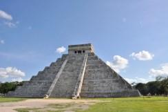 Piramide de Kukulkan Chichen Itza Mexico