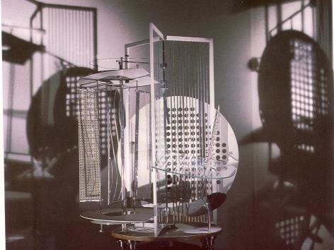 1930 l László Moholy-Nagy l Lichtrequisit (Ausschnitt) l (c) Moholy-Nagy Foundation