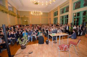 Bürgerversammlung zum Asylbewerberheim im Oktober 2015. Quelle: Archiv A. Reichelt