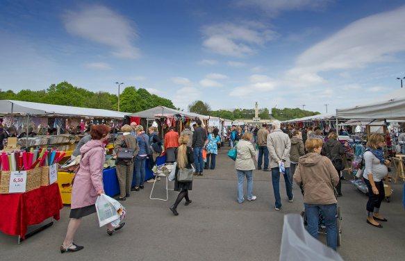 Stoffmarkt in der Jahnallee; Foto: Andreas Reichelt