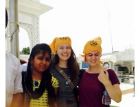 Ariana and Morgan visit a Sikh Temple... and get stopped for a picture!