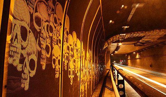 reversegraffitti3tunnels