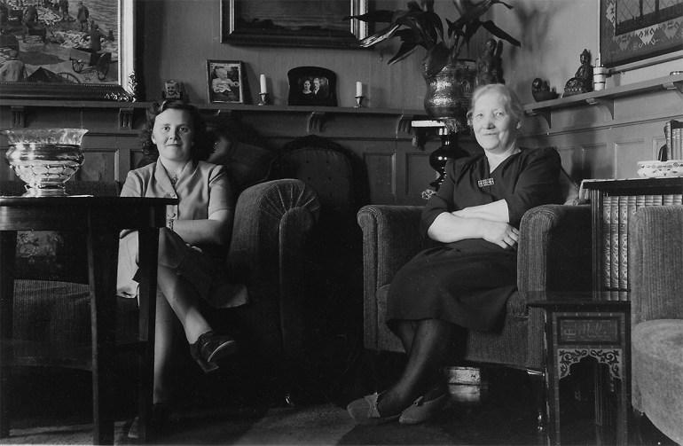 F.v. Berta Andrea Jónsdóttir Snædal (1924-1996) og Filippía Magnea Björnsdóttir (1885-1969).