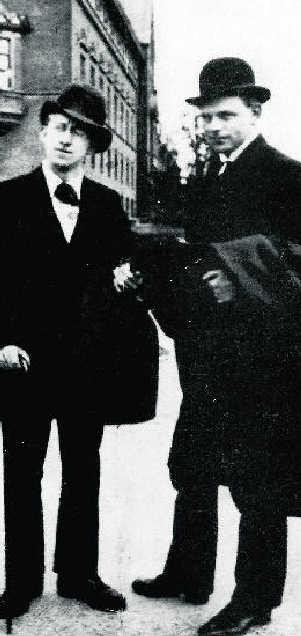 Halldór Laxness og Óskar Halldórsson á Ráðhústorginu í Kaupmannahöfn 1920. Mynd: Mbl.is.