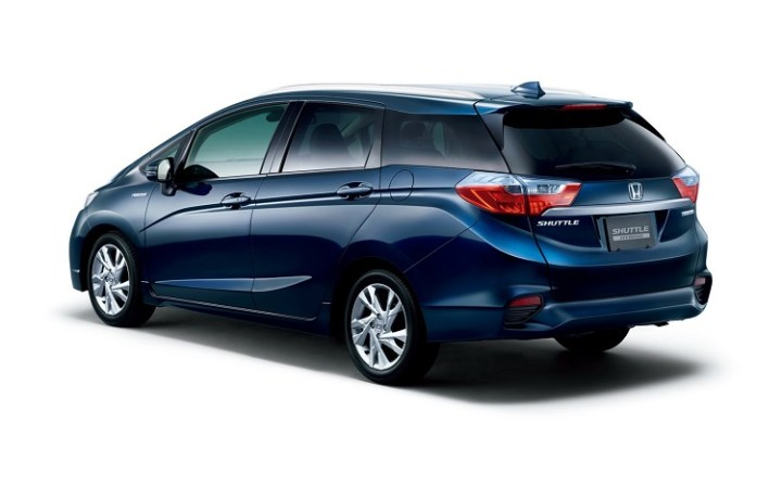 2016 Honda Fit Shuttle rear view