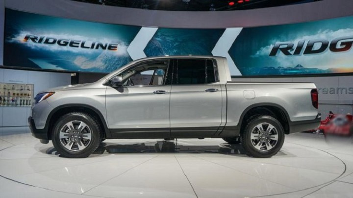 2018 Honda Ridgeline side view