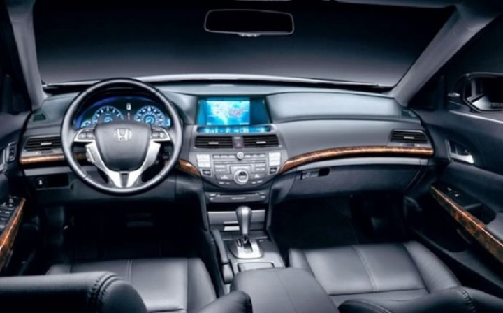 2018 Honda Crosstour interior