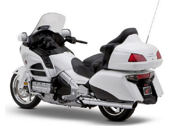 2017 Honda Gold Wing rear view