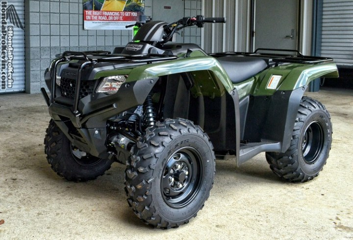 2017 Honda Rancher 420 front view